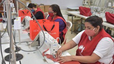 Photo of 152 mujeres de zonas vulnerables se capacitan gratuitamente en técnicas de confección