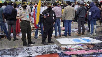 Photo of Indígenas marchan por las calles de Quito en rechazo al Gobierno de Lenín Moreno y a la invasión española