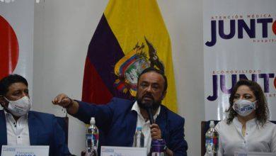 Photo of Paúl Carrasco, candidato presidencial de Juntos Podemos, participó en primer acto oficial al ser habilitado para participar en los comicios nacionales