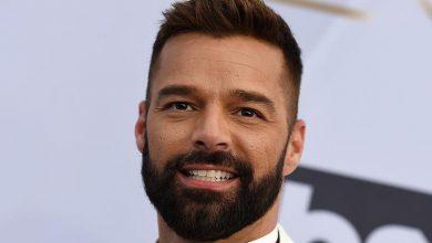Photo of Ricky Martin enseña los calzones e infarta semidesnudo ante los Latin Grammy 2020