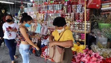 Photo of Guayaquil: Artículos navideños tienen poca demanda, según comerciantes