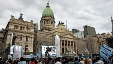 Photo of El Congreso argentino aprueba el aborto tras 20 horas de debate