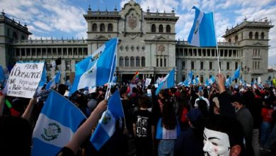 Photo of Presidente y vice de Guatemala olvidan disputa y llaman al diálogo