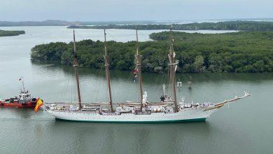 """Photo of El Buque Español """"Juan Sebastián Elcano"""" atracó en el puerto de Guayaquil"""