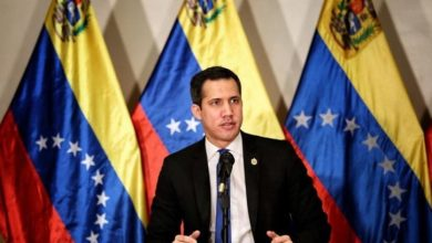 """Photo of Juan Guaidó: """"Es tan burdo el fraude que tendremos mañana que entre los veedores están Rafael Correa y un enviado iraní"""""""