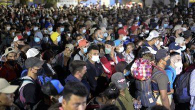 Photo of Caravana de migrantes rompe cerco en Guatemala y continúa viaje a EEUU