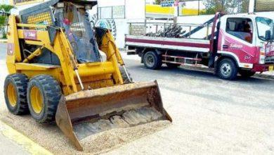 Photo of Aguaje y oleaje dejó arena y otros residuos en calle principal de Salinas